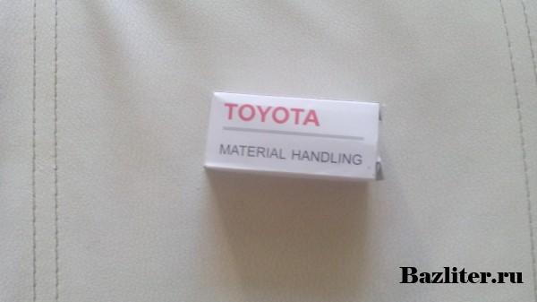 USB флеш накопитель - Toyota