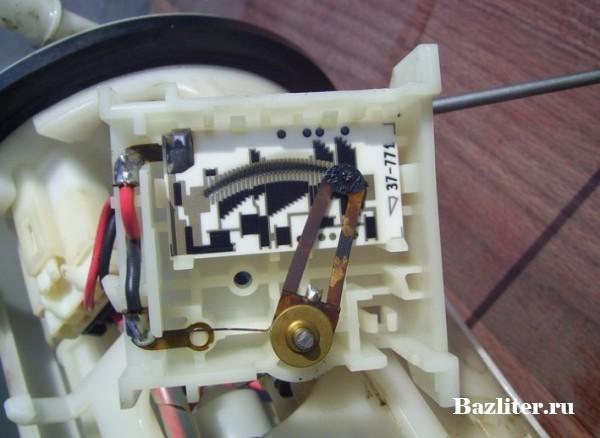 Замена топливного фильтра в Mitsubishi Outlander: особенности и пошаговая инструкция