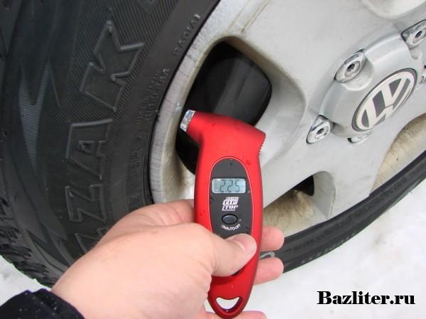 Какое должно быть давление в шинах автомобиля? Особенности, правила и советы по измерению
