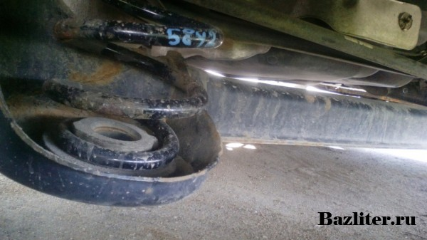 Замена пружин задней подвески в Фольксваген Джетта 6