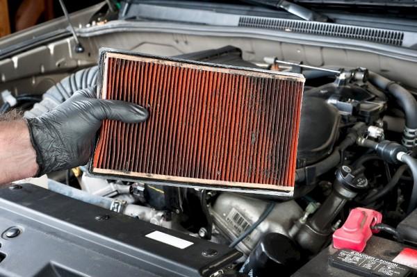 Для чего нужен воздушный фильтр автомобилю и когда его менять