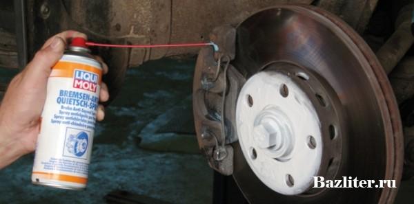 Почему скрипят тормозные колодки автомобиля. Причины и способы устранения