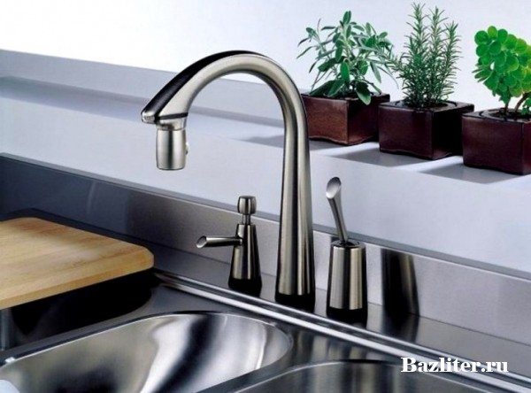 Как выбрать смеситель для кухни? Особенности, характеристики и разновидности