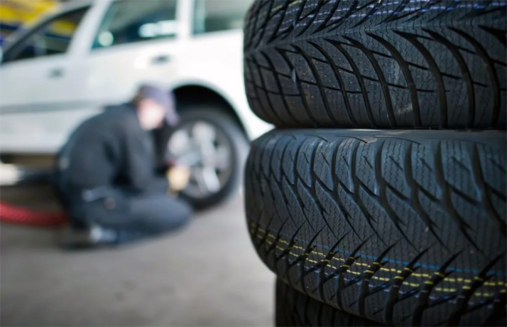 Когда нужно менять шины на новые?