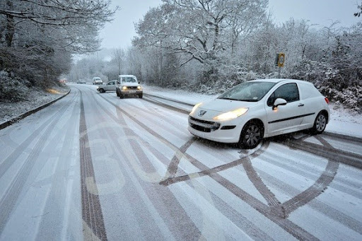занос авто зимой