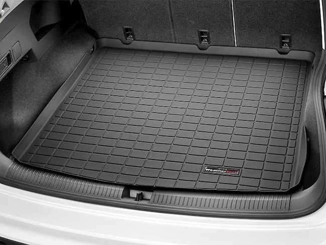 Полиуретановые или резиновые: какие коврики в багажник выбрать?