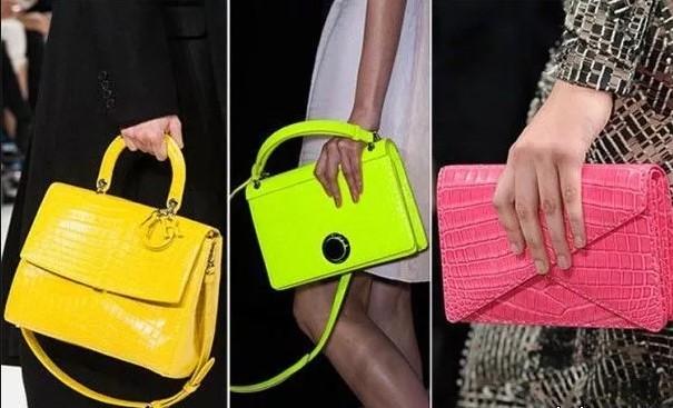 женская сумка ярких цветов