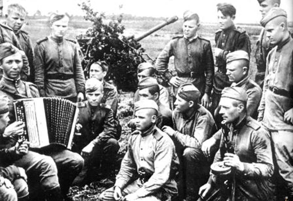 Поднятие боевого духа с помощью военной песни