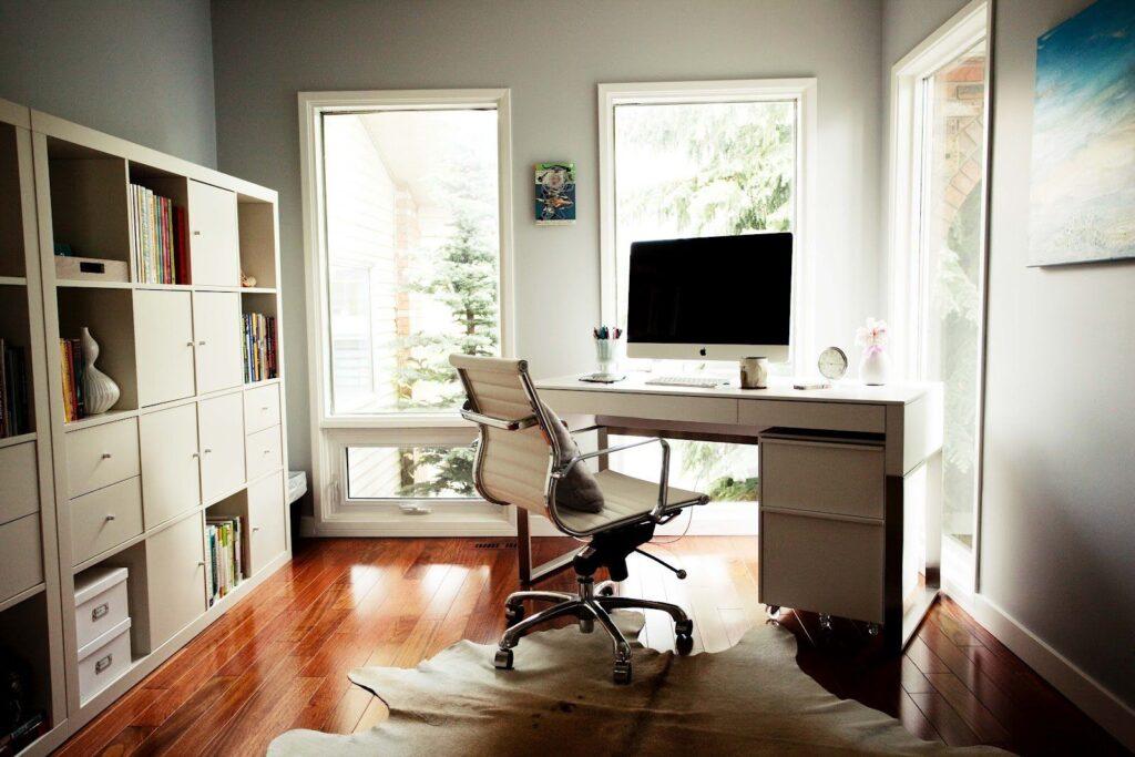 офисный стол для домашнего рабочего места