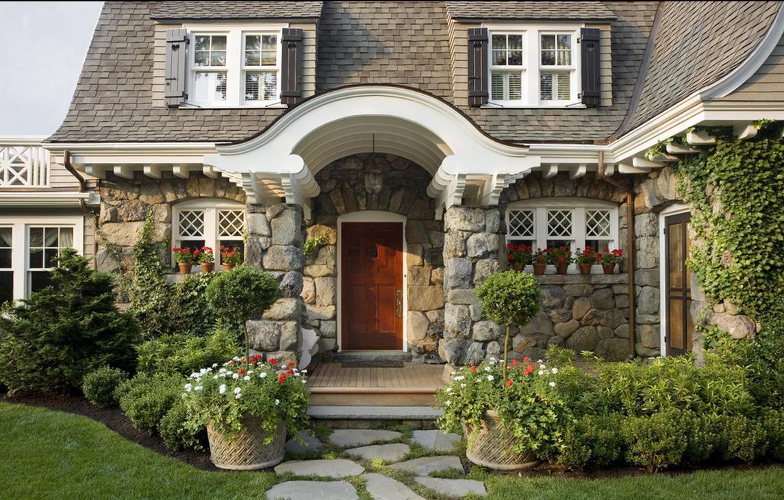 Отделка дома натуральным камнем